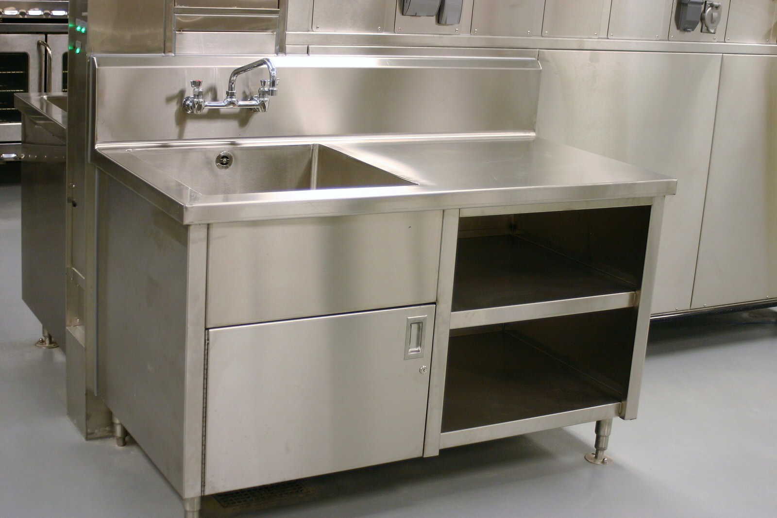 Stainless Cabinetry Perfection Stainless 15