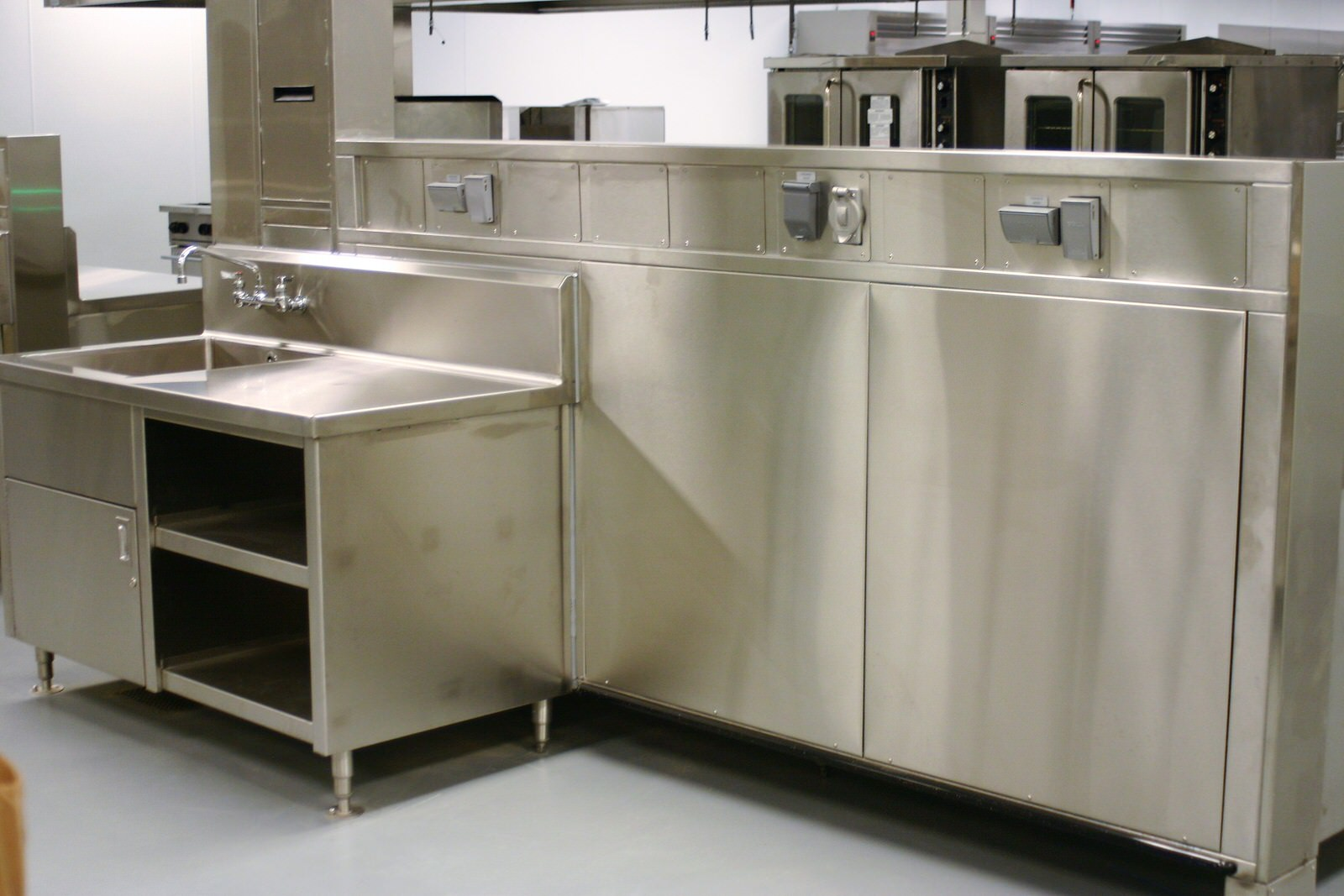 Utility Distribution Systems Perfection Stainless 4